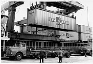 Container-Terminal 4